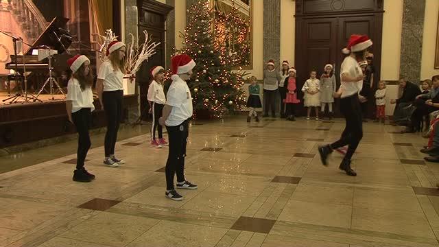 Tańczę Śpiewająco – koncert mikołajkowy w Pałacu Bursztynowym