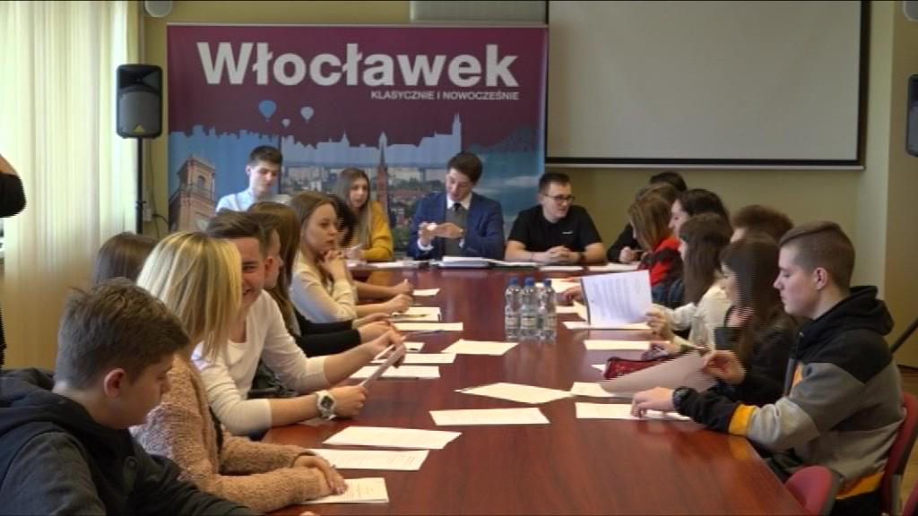 Spotkanie z kombatantką i Dzień Sportu – ambitne plany młodych radnych