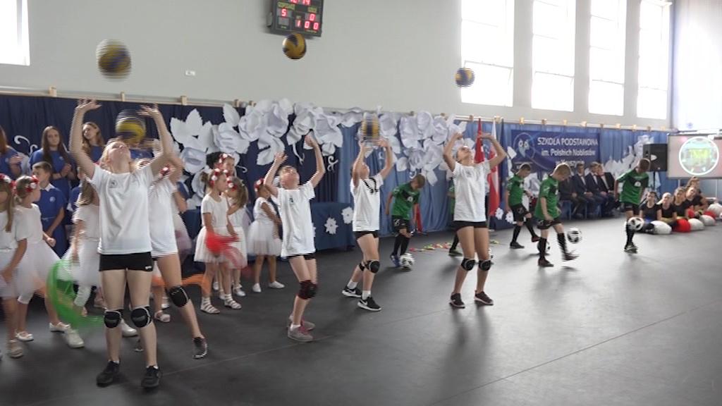 Hala sportowa dla uczniów Zespołu Szkół z Oddziałami Integracyjnymi w Kruszynie już otwarta
