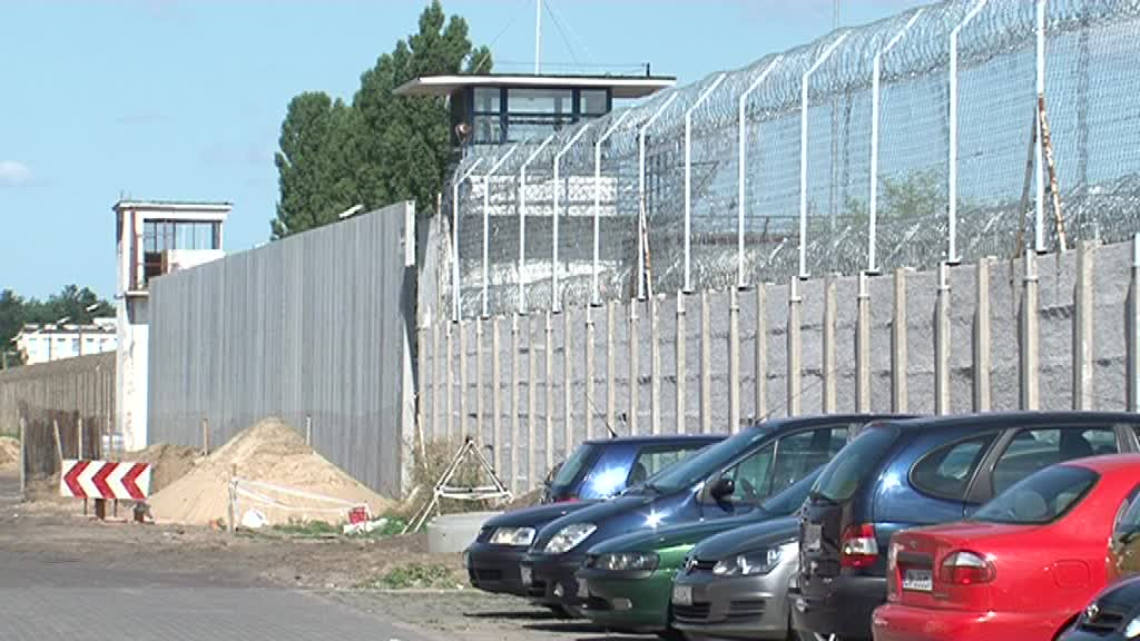 """Prokuratura: """"Na ustalenie przyczyny śmierci zmarłego w bramie więzienia musimy poczekać 2-3 tygodnie"""""""