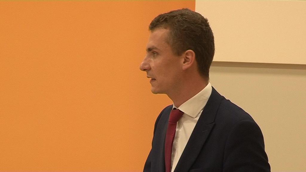 Krzysztof Kukucki liderem przedwyborczego sondażu. Z kim może zmierzyć się w II turze?