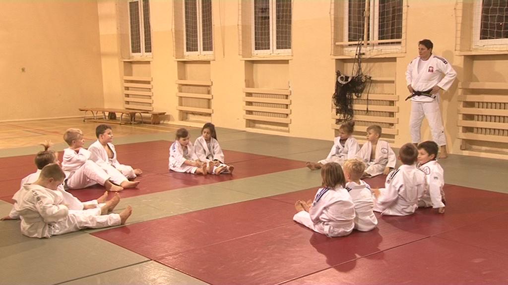Młodzi judocy trenują pod okiem medalistki olimpijskiej