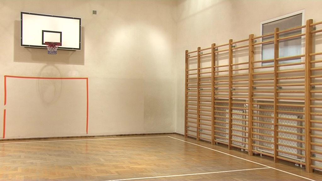 Ta szkoła potrzebuje nowej sali gimnastycznej!