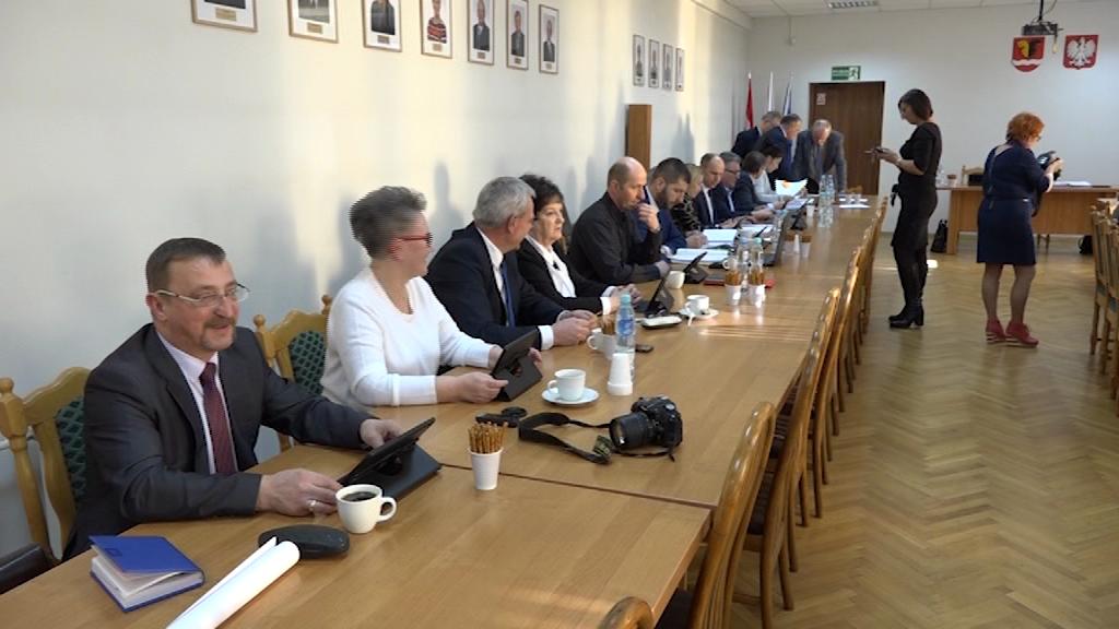 Sesja rady gminy Włocławek – Zmiany w budżecie i podwyżki za odpady komunalne