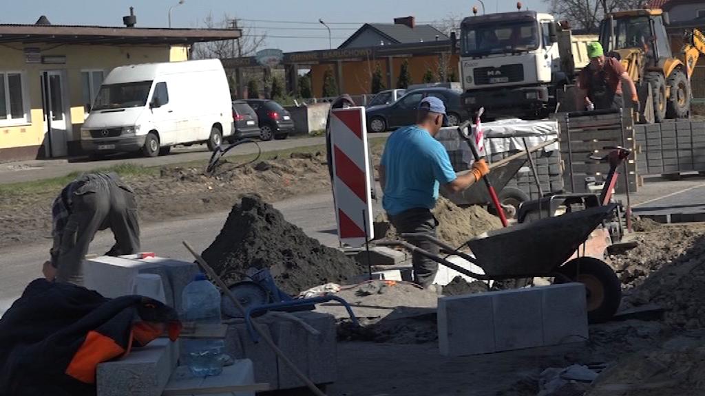 Prace drogowe w gminie Baruchowie idą pełną parą