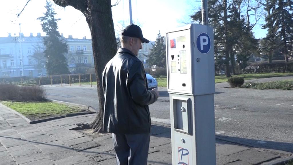 Stawki za parking zaktualizowane. Informacji o karze za brak biletu nie ma!