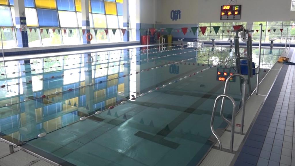 Czy w wakacje otwarty będzie tylko jeden miejski basen?