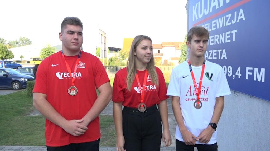 Wrócili z mistrzostw z czterema medalami